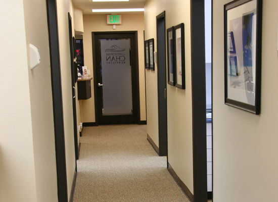 http://www.chandentistry.com/wp-content/uploads/2017/02/2-Huntington-Beach-Cosmetic-Dentist-Hallway-for-Comprehensive-Dentistry.jpg